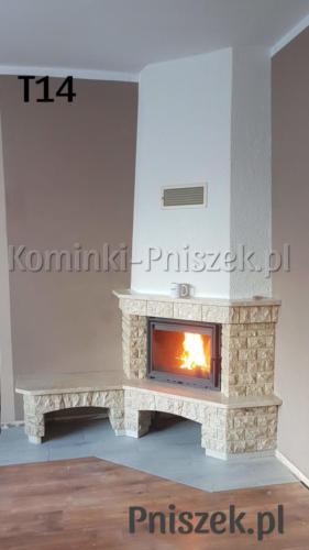 kominek rystykalny tradycyjny wkład antek 10 kratki.pl widok prawa strona z ławką i schowkiem na drewno