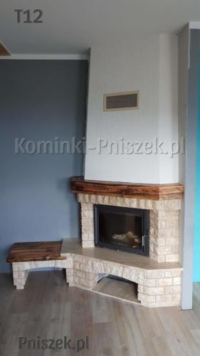 kominek-rustykalny-z-belka-drewniana-z-blatem-drewnianym